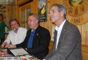 Dirk, Sepp und Hans während der Diskussionsrunde