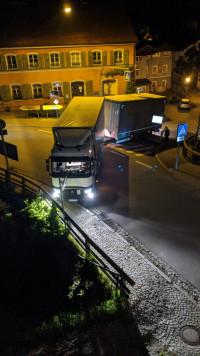 16. Mai 2020, 00 Uhr 13: Ein Lastzug wendet am Gerberberg