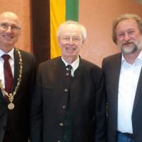 Altoberbürgermeister Fritz Stahl mit Oberbürgermeister Christian Kegel (li.) und Gratulant Dirk Reichenau